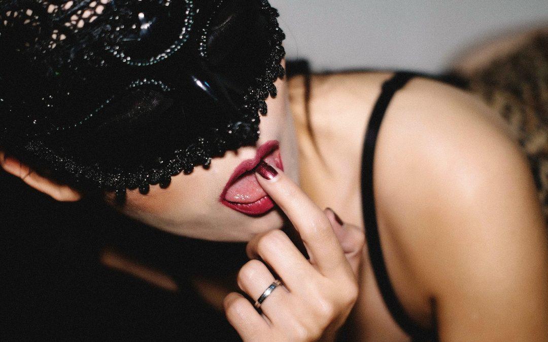 Storia Erotica Trans: Maschere di Carnevale